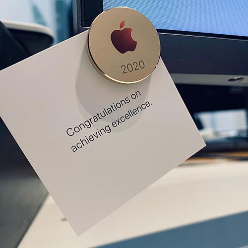 """Utmärkelse av Apple """"Congratulations on achieving excellence."""""""